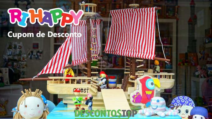 Navio de brinquedo ilustrando cupom Ri Happy