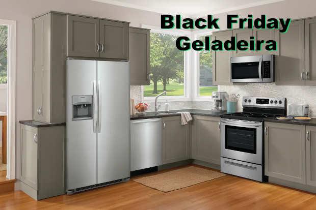 Cozinha com geladeira destacando a Black Friday